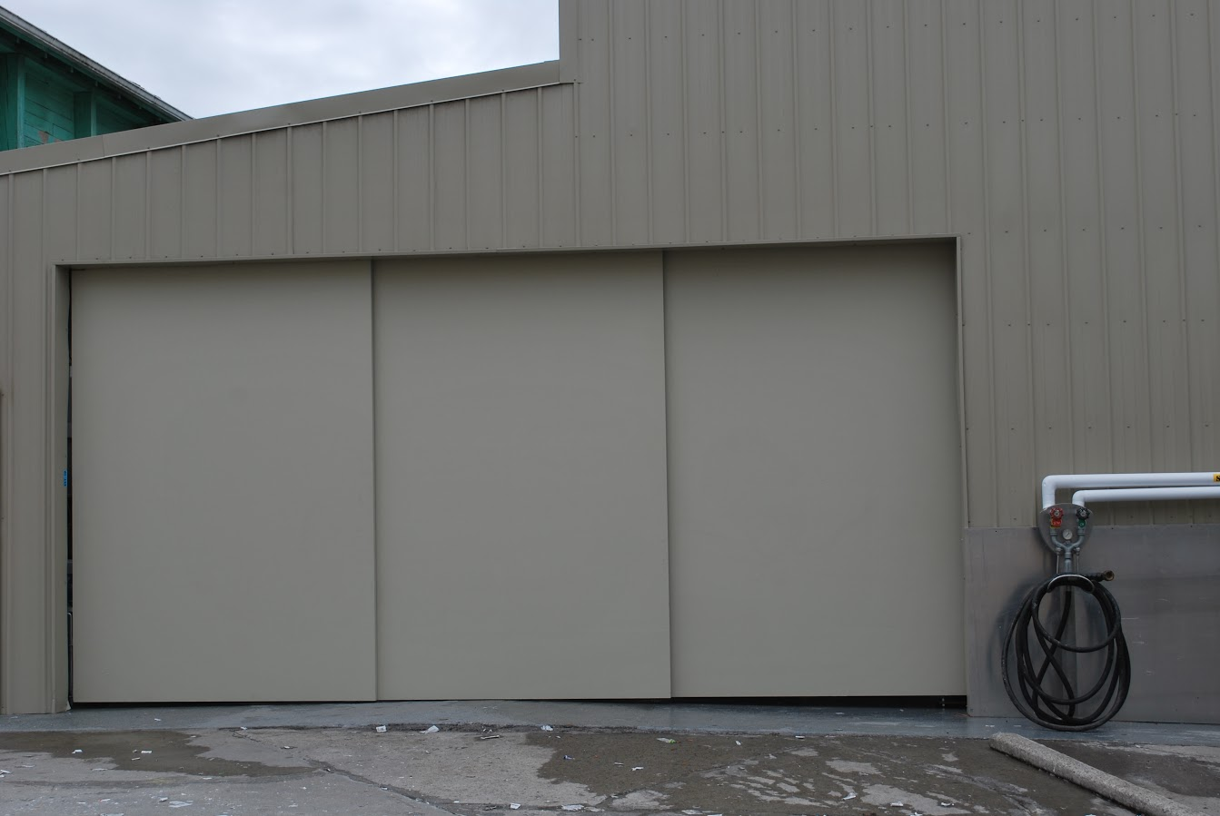 Lightweight doors large sliding doors eco friendly for Oversized garage door